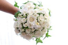 Roses-By-Claire-Bouquet-de-Mariee-Classic-White-2
