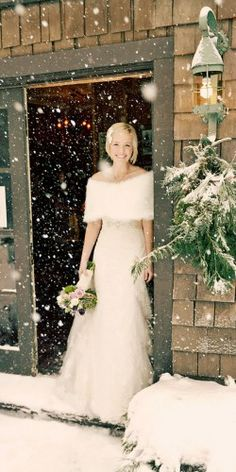 18 Outdoor and indoor winter wedding dresses and gowns