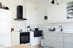 Gigantti Epoq kitchen - white, khaki and black