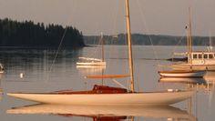 """VIXEN est de 15 mètres carré bateau """"skerry"""" conçue par Knud Reimers et construit en 1937 par Oscar Schelin à Kungsörs Boat Yard dans le centre de la Suède."""