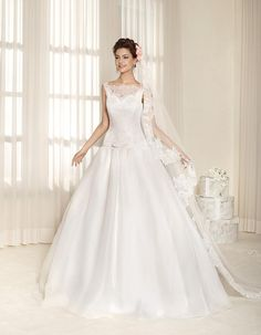 Cheap Lace Wedding Dress - Discount Romantic Appliques Lace Wedding Gowns with Sheer Sweetheart Online with $162.31/Piece | DHgate