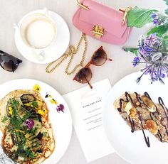 When @burberry does pancakes, flowers and gold get involved #obvs #happypancakeday