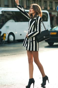 Allison Kadoche rockin the vertical stripes looking modern and minimal #allisonkadoche #model #streetchic #style