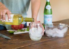 Pomegranate + Mint Wine Spritzer: Ultra-Refreshing Recipe » Hustle ...