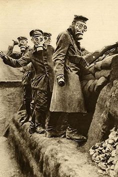 Friday 1 July 2016 marks the centenary of the beginning of the Battle of the Somme, the biggest conflict seen on the Western Front during World War I. Here are some of the most arresting photos from the war. Contains graphic images. World War One, First World, Battle Of The Somme, Historia Universal, History Magazine, War Photography, Powerful Images, Powerful Women, Nagasaki
