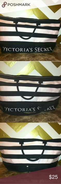 Victoria's secret overnight bag with extender Victoria's secret overnight bag with extender in great  condition Victoria's Secret Bags Travel Bags