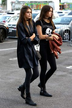 Top Looks, You can collect images you discovered organize them, add your own ideas to your collections and share with other people. Street Style Outfits, Model Street Style, Street Style Looks, Girl Fashion, Fashion Outfits, Womens Fashion, Fashion Trends, Style Fashion, Kaia Gerber