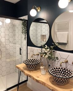 35 Incredible Small Bathroom Style That Will Rock Your Home - manevi Casa Loft, White Sink, Bathroom Interior, Bathroom Inspiration, Small Bathroom, Home Furniture, Sweet Home, House Design, Interior Design