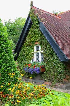 St Stephens Green Gardeners Cottage, Dublin