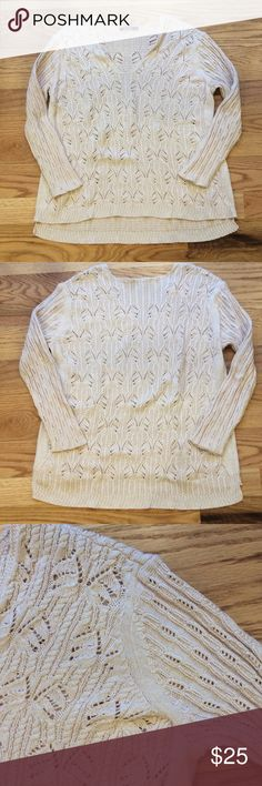 Nic+Zoe Sweater Lightweight open weave pullover sweater. Cotton/acrylic/rayon blend. Mid hip length. Loose fit. 3/4 sleeves. V neckline. Good condition. Comment with any questions or make an offer. NIC + ZOE Sweaters V-Necks