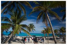 Cancun wedding photography. Photo compliments of Haring Photography. Dreamy