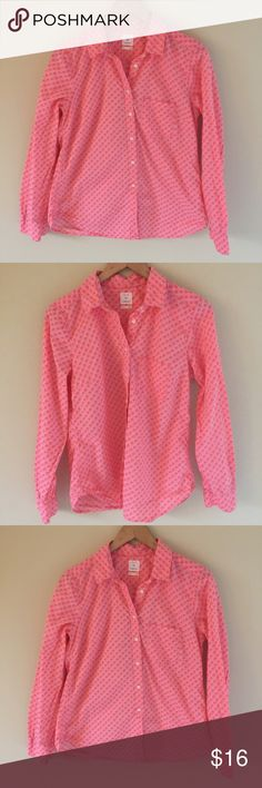 """Gap Shrunken Boyfriend Button Down with Elephants Please measure before purchasing and email me with any additional questions or info needed   Armpit to armpit: 19""""  Armpit to bottom: 17"""" GAP Tops Button Down Shirts"""