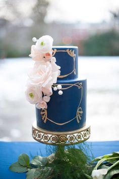 Art Nouveau Wedding Cakes #weddingcake repinned by wedding accessories and gifts specialists http://destinationweddingboutique.com