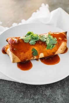 Chi Chi's Chicken Chimis are a super easy Mexican-style recipe that you will love. These chimichangas are made with simple, pre-prepared ingredients that only have to bake for about 10 minutes per side. Mexican Dinner Recipes, Mexican Dishes, Easy Dinner Recipes, Easy Meals, Mexican Menu, Mexican Cooking, Cheap Meals, Tamales, Quesadillas