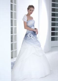 Pin di linda su wedding dresses coloured and patterned nel 2 Light Blue Wedding Dress, Colored Wedding Gowns, Wedding Dress Backs, Sweetheart Wedding Dress, Blue Wedding Dresses, Bridal Dresses, Light Wedding, Pretty Dresses, Beautiful Dresses