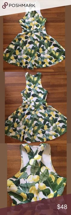 Abercrombie & Fitch Lemon Dress Dress is a size small with a side zip and comes from a smoke free clothes addicted home. Abercrombie & Fitch Dresses Mini