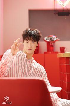 [아스트로] 선공개★'Baby' MV 현장 밀착취재 (ft.광대승천) : 네이버 포스트