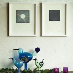 バードの周りにクリスマスっぽい植物をただ置いたらば雰囲気良きかな。ちょいダサが丁度いいと思ってるけど、それは純ダサなのかも。まあいい。キビは豪華にアメジストダブル使い。 Just placing Christmassy plants around Birds creates a nice atmosphere. I think not-too-stylish is just right, or maybe I am not stylish at all? Also 2 Kivi Amethyst are placed - gorgeous! #スコープ #scope_japan #scope2015xmas #iittalakivi #iittalabird #birdsbytoikka #jaakkomattila #oivatoikka #scopebird #iittala #イッタラ #素光譜最初作中型青鳥名亜野 Birds, Frame, Glass, Interior, Instagram Posts, Home Decor, Picture Frame, Decoration Home, Drinkware