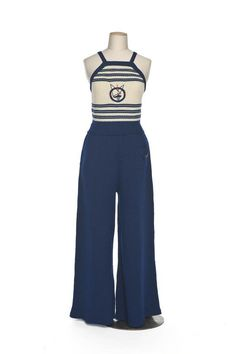A charming beachwear pants ensemble, nautical look Vintage Outfits, Vintage Wardrobe, Vintage Pants, Vintage Dresses, 1930s Fashion, Retro Fashion, Vintage Fashion, 20th Century Fashion, Vintage Swimsuits