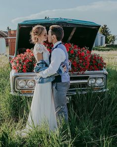 Wild Country Love // inspiration gallery is live on our website and at @albertaweddingsocial !!! . If you are looking for an idea for the changes in your wedding day plans for 2020, have a peek at this gallery!  Your love can still be celebrated and you can still make it look pretty! . Ask us about decor for a smaller elopement or intimate event for 2020. We have a great variety of pieces to choose from!! . Vendor team: Photography @megskalicky  Creative director + rentals @orangetrunk… Barn Wedding Venue, Farm Wedding, Wedding Designs, Wedding Styles, Wedding Ideas, Country Wedding Decorations, Vintage Country, Orange, Wedding Portraits