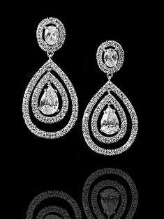 Love these bridal earrings!