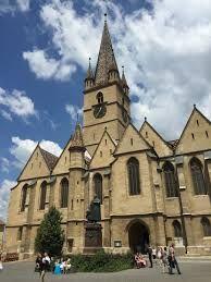 Imagini pentru gara sibiu Notre Dame, Mansions, House Styles, Building, Home Decor, Romania, Decoration Home, Room Decor, Buildings