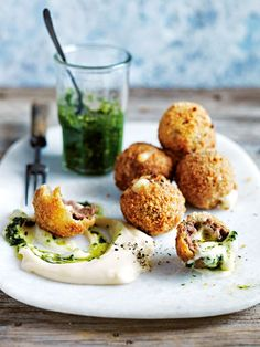 Lower Excess Fat Rooster Recipes That Basically Prime Arancini Meatballs Donna Hay Real Food Recipes, Cooking Recipes, Yummy Food, Tasty, Fingers Food, Arancini, Appetisers, Appetizer Recipes, Dessert Recipes