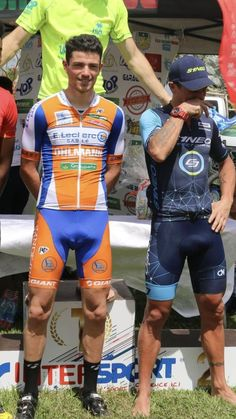 Nick Jonas Shirtless, Cycling Lycra, Hot Country Men, Men In Tight Pants, Lycra Men, Guys In Speedos, Football Boys, Sport Man, Cycling Outfit