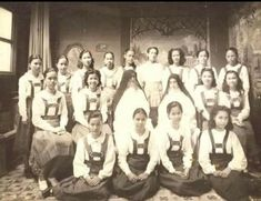 St. Scholastica's College, Manila, 1930s #kasaysayan #pinoy #classpicture Class Pictures, Pinoy, Manila, Filipino, Old And New, Over The Years, 1930s, Philippines, College