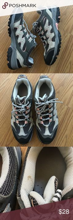 Hiking shoes Great pair of hiking shoes. Worn to Zion NP & Sequoia NP. They have signs of minimal wear! Please note small stain. Make an offer!!! 🌞 Columbia Shoes