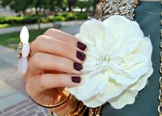 Plum Polish! <3 so cute. love the flower! i can imagine the whole outfit and i assure you it's fabulous.