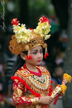 Bali beauty - a young dancer.