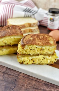 One thing that I had a lot of were eggs and the other thing I loved was French toast. So I thought why not combine the two and now we have the French Toast Egg & Cheese Breakfast Sandwich. Breakfast Food List, Health Breakfast, Breakfast Recipes, Breakfast Ideas, Healthy Dinner Recipes, Healthy Snacks, French Toast, Toast Sandwich, Egg Toast