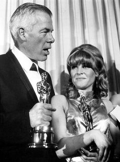 """1965 Oscar Winners - Best Actor Actress of 1965 Lee Marvin for """"Cat Ballou"""" and Julie Christie for """"Darling"""" Julie Christie, Real Movies, Old Movies, Best Actress, Best Actor, Santa Monica, John Schlesinger, Cat Ballou, Glamour Pics"""