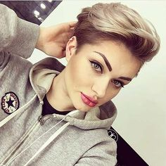 Long pixie styles and pixie-bobs Popular Short Hairstyles, Pixie Hairstyles, Cool Hairstyles, Hairstyle Ideas, 2017 Hairstyle, Tomboy Hairstyles, Short Pixie Haircuts, Hairstyle Short, Pixie Styles