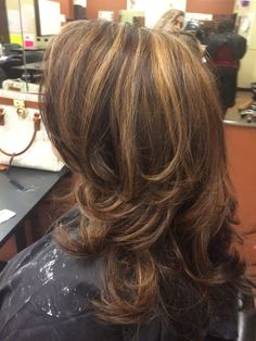 Highlight cus and style by me Haircut For Thick Hair, Haircuts For Long Hair, Cool Hairstyles, Medium Length Hair With Layers, Medium Hair Cuts, Long Layered Haircuts, Beauty Hacks, Beauty Tips, Cut And Color