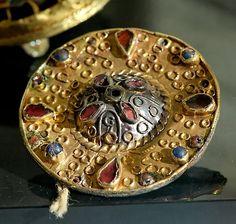 Merovingian fibulas (gold, garnets and glass paste and precious stones)