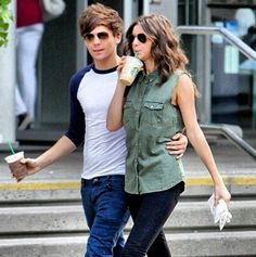 Louis Tomlinson and Eleanor Calder... so cute together! i love them and hope they get married! <3 she will treat my celeb crush right and i know it <3