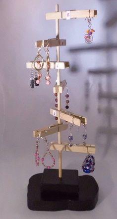 craft fair prop idea for jewelry
