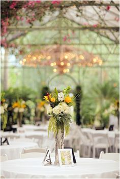 La Caille Wedding | Utah Wedding Venue | Yellow and Ivory Wedding Colors | Hillside Floral | Logan Walker Photography