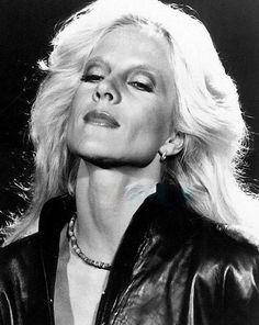Chanteuse style inspiration from Brigitte Bardot, Jane Birkin, Francoise Hardy, Carla Bruni, and more. Vartan Sylvie, Francoise Hardy, Carla Bruni, Jane Birkin, Brigitte Bardot, Star Fashion, Vintage Fashion, Singer, Style Inspiration