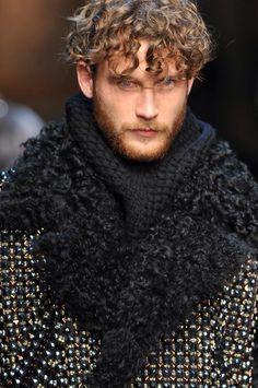 +++ Dolce & Gabbana + Autumn / Fall / Winter 2014 + Men's Collection +++ #StefanoGabbana #DomenicoDolce #medieval #NeoFeudalism #NormanKings #fashionweek #milan #milano #mfw #invierno2014 #FallWinter2014 #sfilata #sfilate #collezioni #runway #moda #fashion #mode #ファッション #时尚 #유행 #موضة #DolceGabbana @Jennifer Souza & Gabbana @StefanoGabbana @ISAZAalejandro