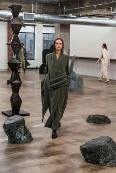 2018-19秋冬プレタポルテ - ザ・ロウ(THE ROW) ランウェイ コレクション(ファッションショー) VOGUE JAPAN