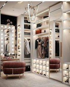 The way you decorate your home is somehow similar to choosing beautiful clothes to wear on a daily basis. An impressive interior decoration of your home or office is essential for your own state of mind, if nothing else. Walk In Closet Design, Bedroom Closet Design, Closet Designs, Glam Closet, Luxury Closet, Modern Closet, Luxury Wardrobe, Shoe Closet, Luxury Bedroom Design