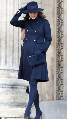Catherine, Duchess of Cambridge leaves the Grenfell Tower National Memorial Service held at St Paul's Cathedral on December 2017 in London, England. The Royal Family and Prime Minister will join. Get premium, high resolution news photos at Getty Images Kate Middleton Stil, Estilo Kate Middleton, Kate Middleton Photos, Navy Wool Coat, Princesa Kate Middleton, Princesa Diana, Princess Kate, Princess Trust, Prince William And Kate