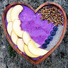 List of acai smoothie bowls I Love Food, Good Food, Yummy Food, Acai Smoothie, Smoothies, Acai Recipes, Smothie Bowl, Healthy Snacks, Healthy Eating