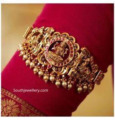 Vanki Designs Jewellery, Antique Jewellery Designs, Jewelry Design Earrings, Gold Jewellery Design, Diamond Jewellery, Necklace Designs, Antique Jewelry, Gold Temple Jewellery, Gold Jewelry