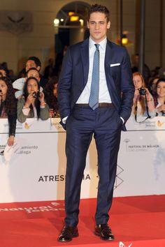 Martiño Rivas  en el Festival de cine de Málaga 2014. Black Lagoon, Handsome Actors, Fine Men, Suit And Tie, Attractive Men, Perfect Man, Classy Outfits, Cute Boys, Sexy Men