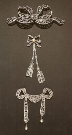 Royal Jewels Of The World | ... jewels scattered the collection around the world in 1530 when eleanor