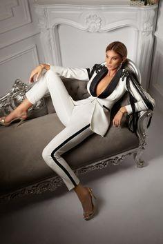 colori e suggestivi lusso a piedi scatti di cappotto donna